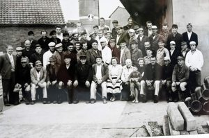Alte Schwarzweißfotografie vom Köne-Team